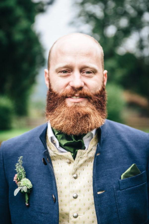 Portrait Mann Hochzeit Bart
